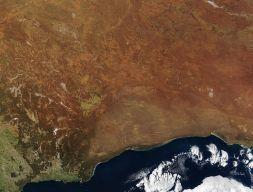 800px-Australia.A2002231.0145.250m_NASA_Nullarbor